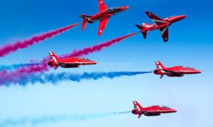 PAF Red Arrows Air Show Karachi Clifton Beach on 5th October 2017